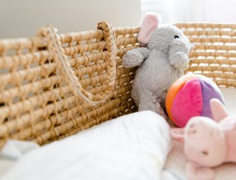 5 tips om te minimaliseren in de babykamer